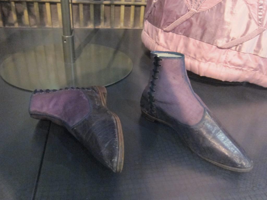 RegencyLove-V&A-Boots
